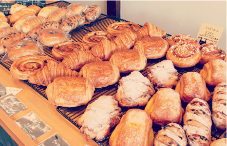 パンを通して、お客様の日常に少しでも幸せを届けられる、そんなBAKERYをめざしています。